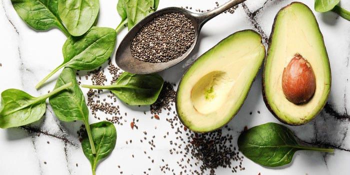 Les pouvoirs des super aliments : l'avocat et les graines de chia